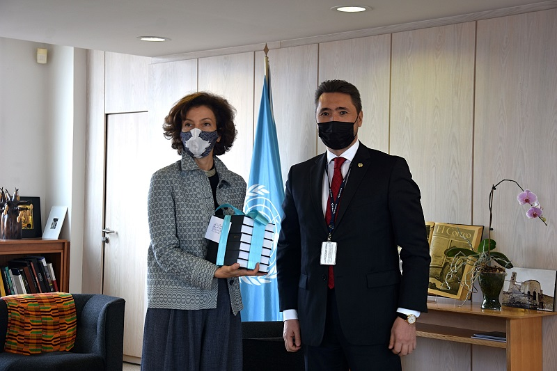 Editions of Abai's selected works in UN's official languages handed over to UNESCO Director General