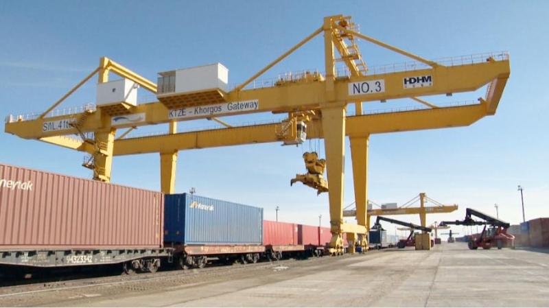 哈萨克斯坦开通链接中国与吉尔吉斯的过境货运新线路