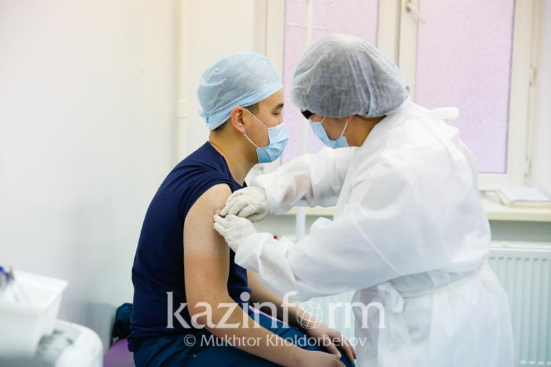Коронавируспен күрес: Қазақстанда вакцинаны таңдау мүмкіндігі бола ма