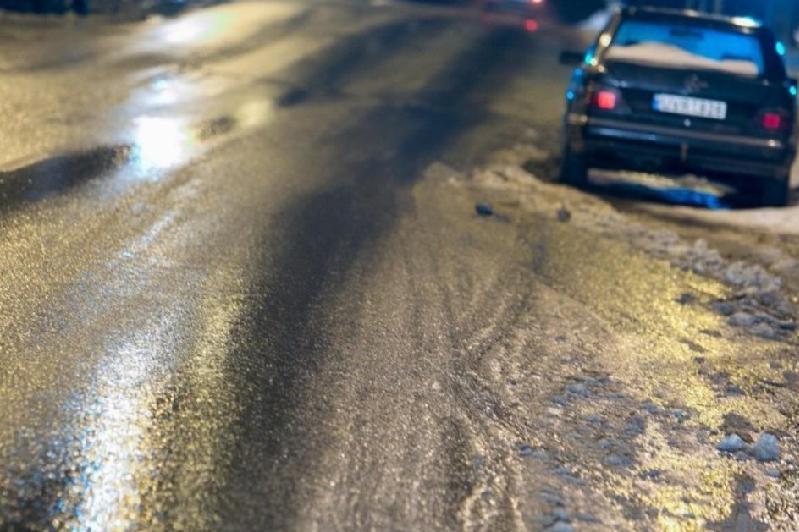 Республиканскую автомагистраль закрыли из-за непогоды в Алматинской области