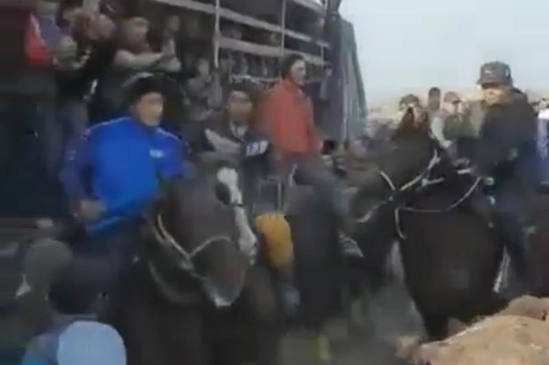 Карантин: Жетісайда 200-ге жуық адам көкпар тартуға жиналған