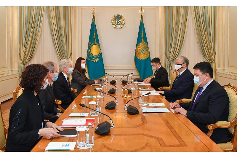 Head of State receives President of Exploration & Production of Total