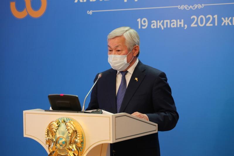 Бердібек Сапарбаев жұмыс сапарымен бір жылда 240 ауылға барған