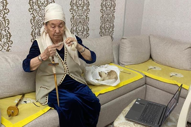 «Әжеден ғибрат»: мангыстауские бабушки создали клуб для детей