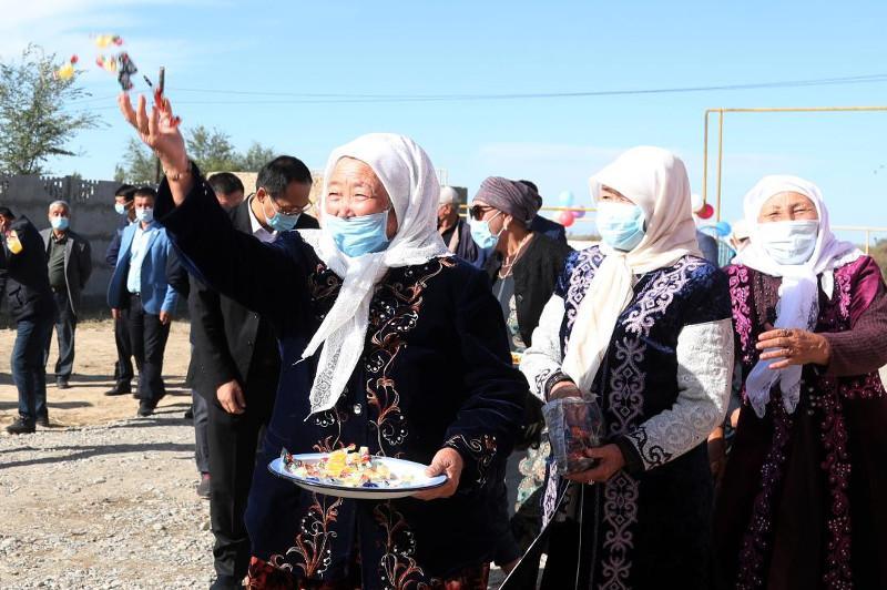 100 домов нуждающимся: древнюю казахскую традицию асар возрождают в Жамбылской области