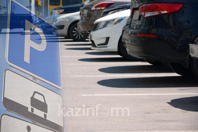 Выросла стоимость парковки в районе Зеленого базара в Алматы