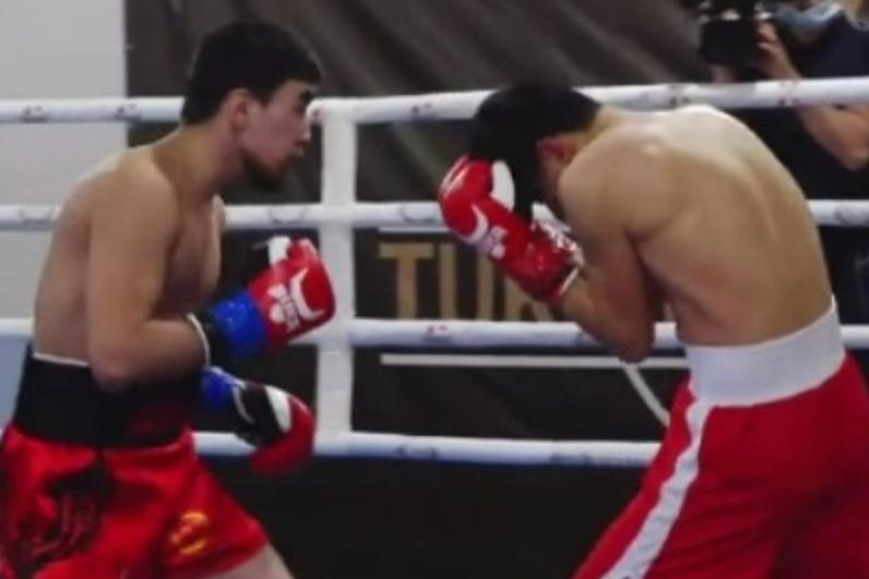 18-летний казахстанский боксер оформил нокаут за 87 секунд