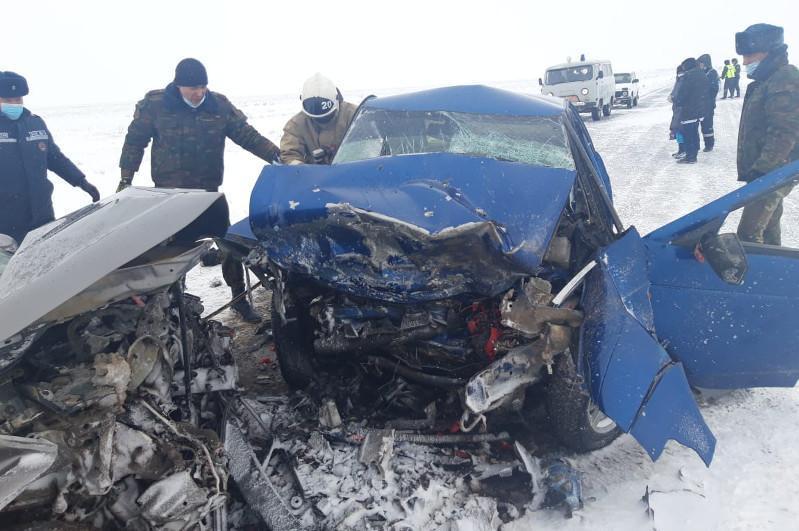 Шесть человек погибли в ДТП на автодороге Уральск-Атырау