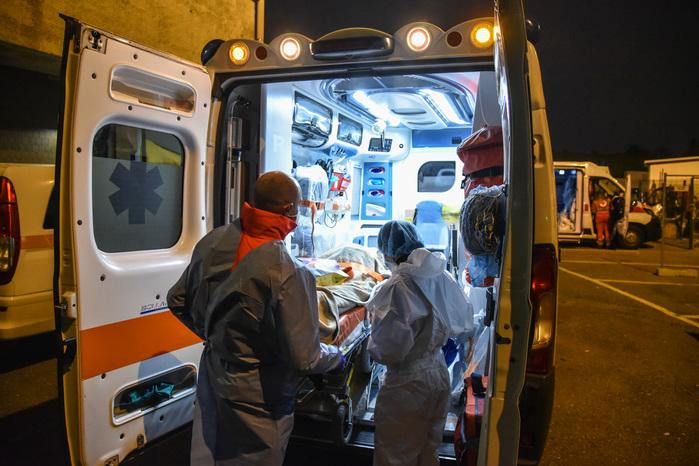 COVID-19 in Italy: 9,630 new cases, 274 more victims