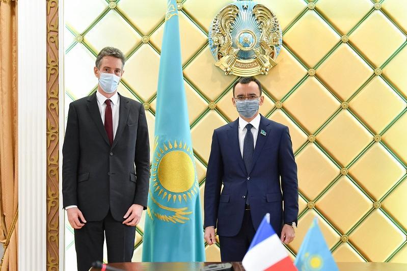 Маулен Ашимбаев встретился с послом Франции
