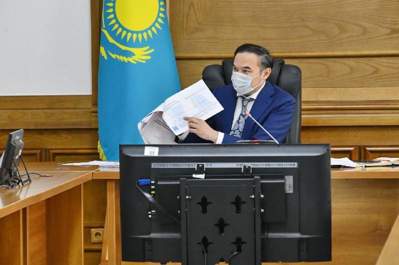 Ержан Бабақұмаров Алматының денсаулық сақтау жүйесін дамытудың өзекті мәселелері бойынша кеңес өткізді