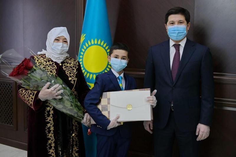 5th-grade student receives gift from Kazakh President in Pavlodar rgn