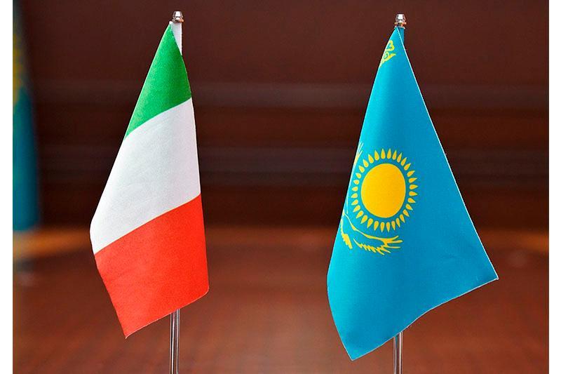 工基发展部长会见意大利驻哈大使和SDF集团代表