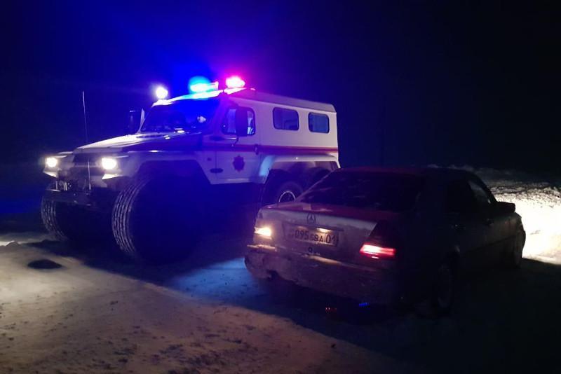 Екібастұз маңында қар құрсауында қалған 9 адам құтқарылды