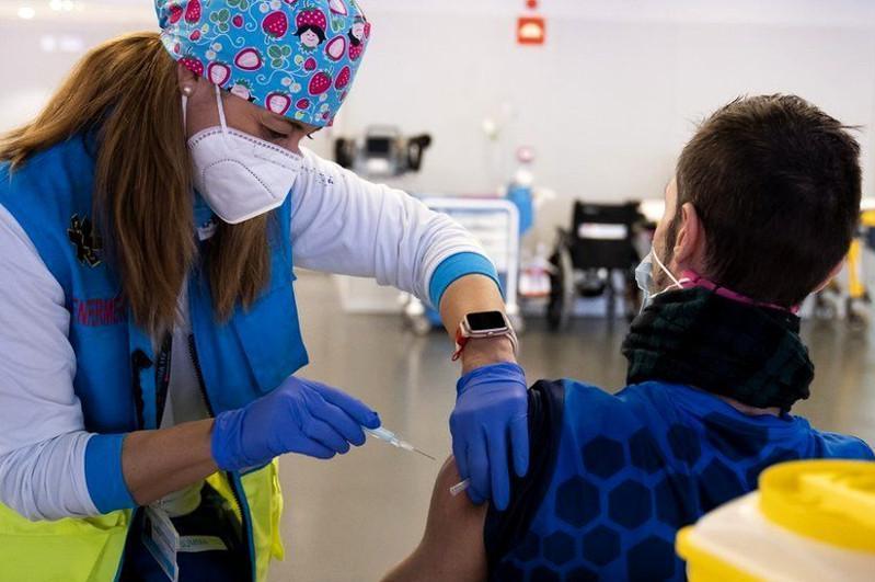 欧洲各国讨论疫苗护照制度问题
