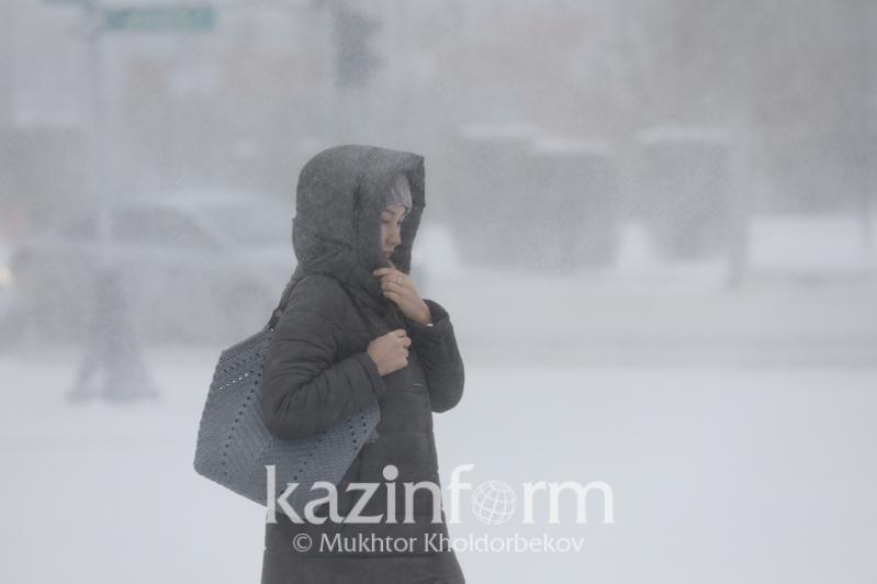Штормовое предупреждение объявлено в семи областях Казахстана