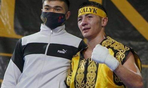 Казахстанский чемпион WBC и WBO одержал четвертую победу в профи