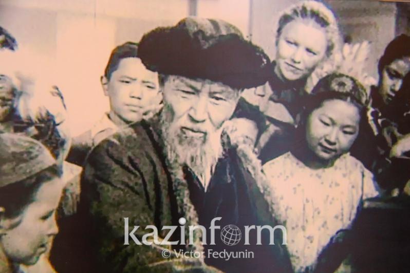 哈萨克大诗人江布尔诞辰175周年