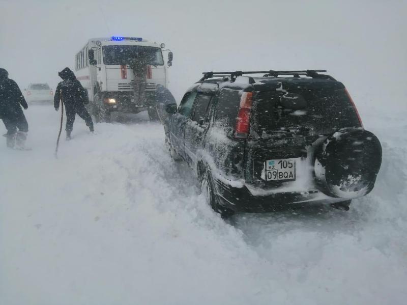 Более тысячи человек и 500 автомобилей остановлены на блокпостах Карагандинской области