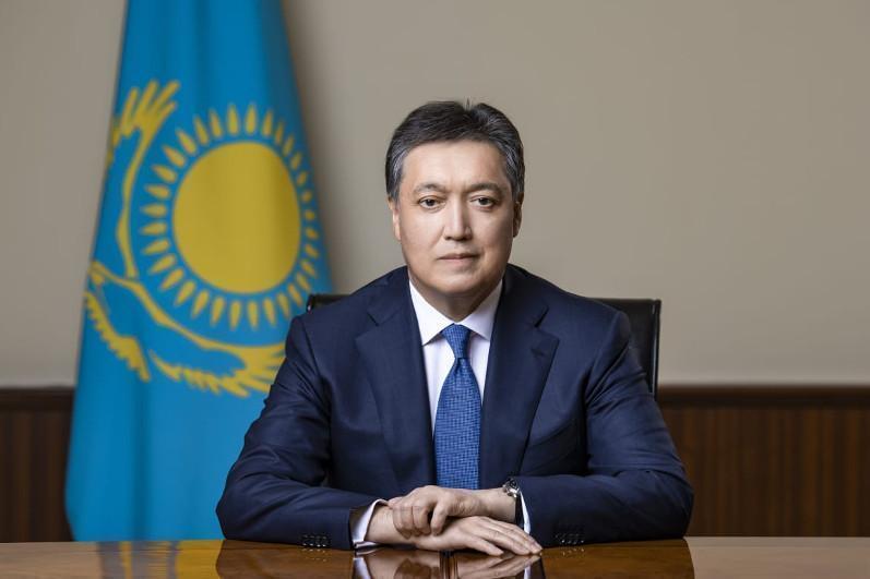 Аскар Мамин поздравил народ Казахстана с Днем благодарности