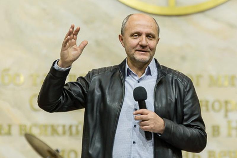 Юрий Шумаев: День благодарности – это дань уважения друг к другу всех граждан нашей страны