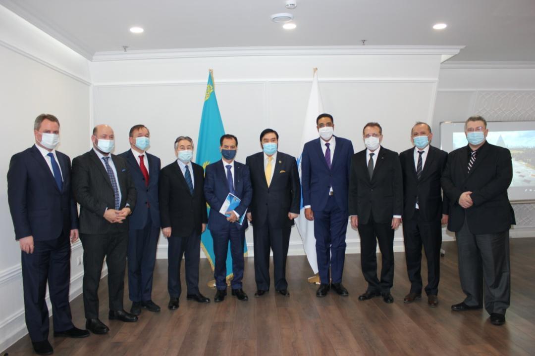 纳扎尔巴耶夫宗教与文明间对话中心举行外交使团团长会议