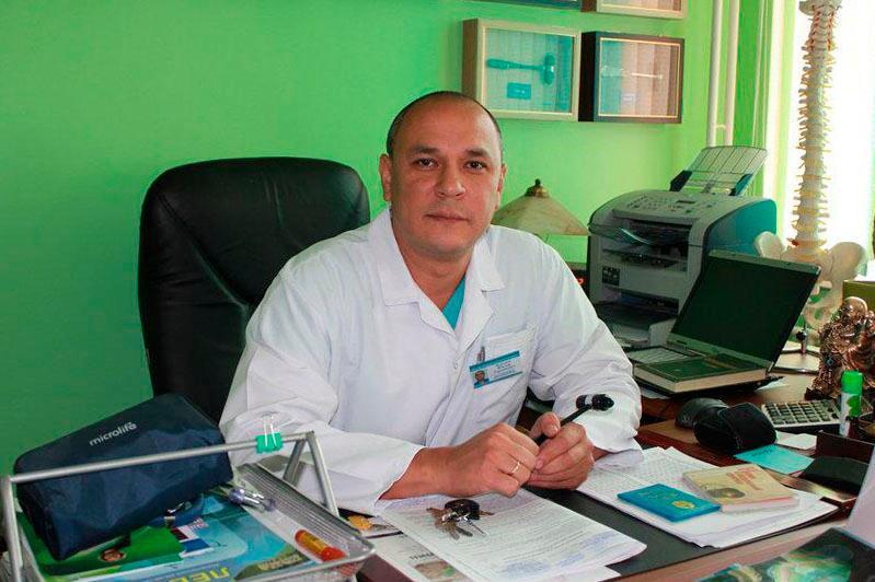 Многонациональный коллектив врачей Алматы поздравил казахстанцев с Днем благодарности
