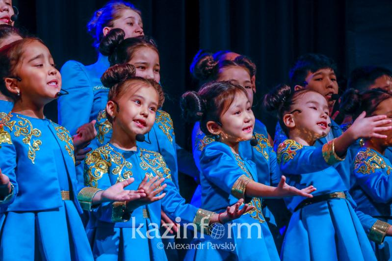 День благодарности: юные дарования посвятили музыкальный вечер особенным детям в Алматы