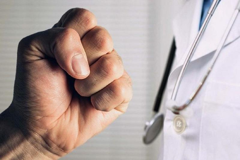 Недопустимый факт – глава Минздрава об избиении хирурга в Талгаре