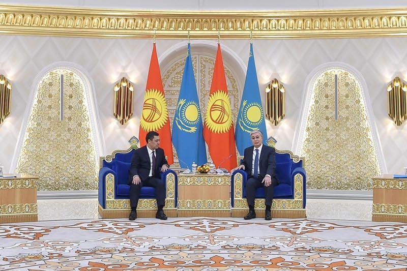 Президент РК процитировал Абая и Магжана Жумабаева в ходе встречи с Садыром Жапаровым