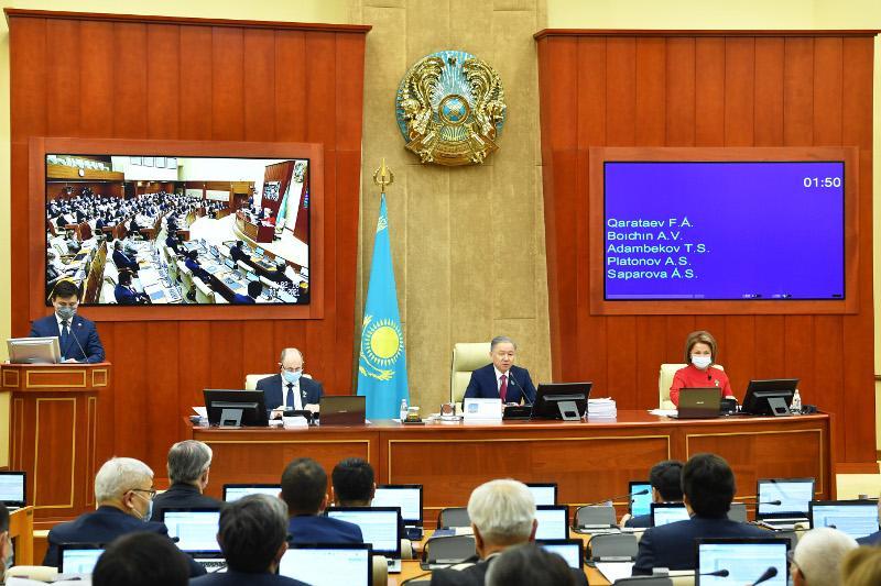 Мажилис одобрил законопроекты о ратификации договоров ЕАЭС