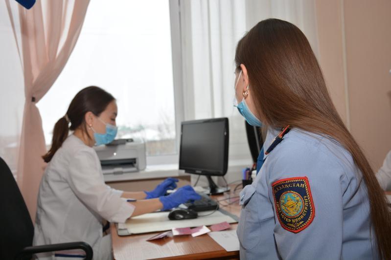Вакцину против коронавируса получает личный состав полиции СКО
