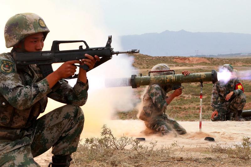 中国今年国防预算增幅为6.8%
