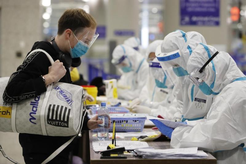 В Китае усилят меры по недопущению завоза коронавируса из-за рубежа