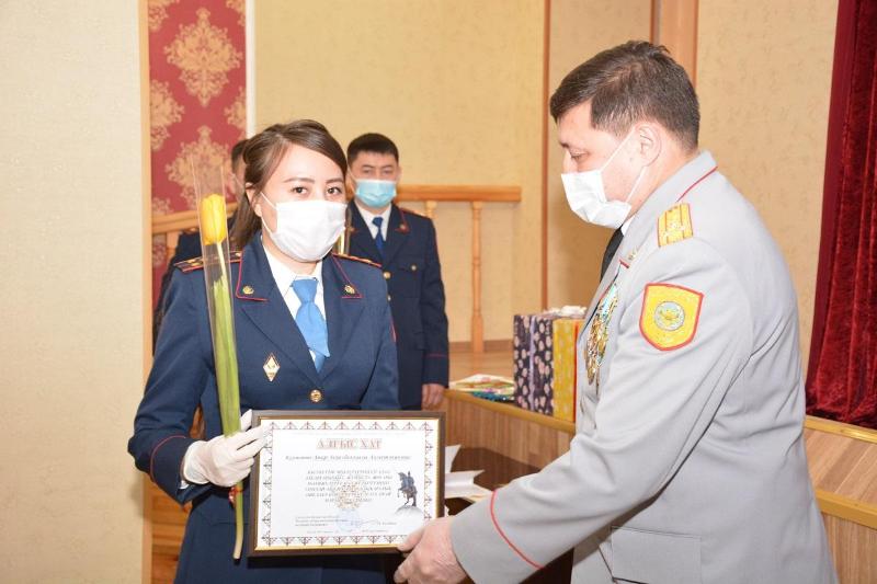 Награды получили женщины-полицейские в СКО