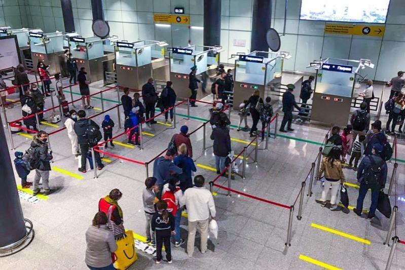 Коронавирус выявили у пассажира авиарейса «Дубай – Нур-Султан»