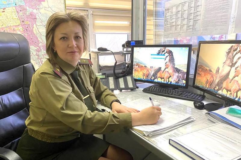 С детства любила форму - диспетчер Службы пожаротушения ДЧС Алматы о своей работе