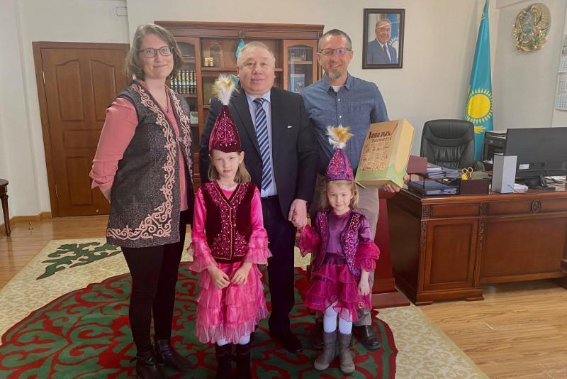 在蒙古国生活的加拿大家庭计划移居哈萨克斯坦