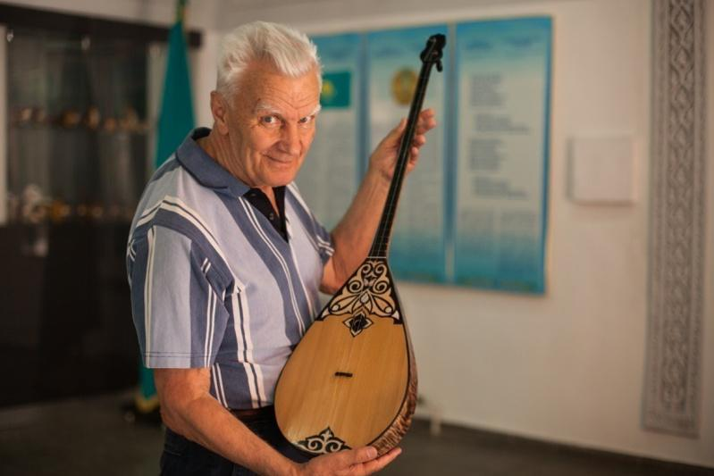 """哈萨克斯坦音乐学家尤里·阿拉文被授予""""祖国""""勋章"""