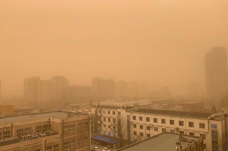 Песчаная буря обрушилась на Пекин и приближается в Южной Корее