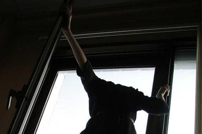 Қызылордада21 жастағы қыз балконнан секіріп кетті