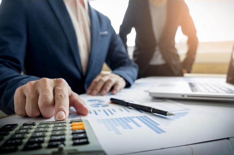 Каким компаниям можно передать пенсионные в доверительное управление