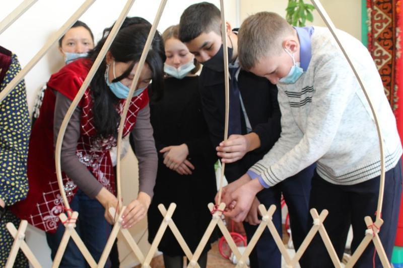 Өз қолыңмен құрылған киіз үй: Қарағандыда оқушылар үшін тренинг өтті