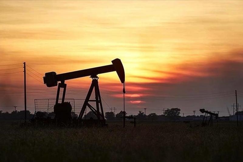 Revenues of oil giants decline 35.4% in 2020