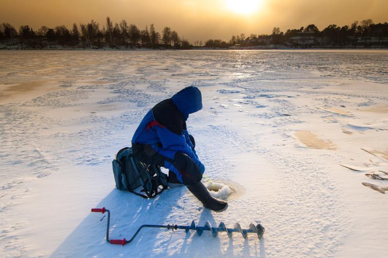 Алматы облысы: Үш адам Балқаш көлінің ортасында қалып қойды