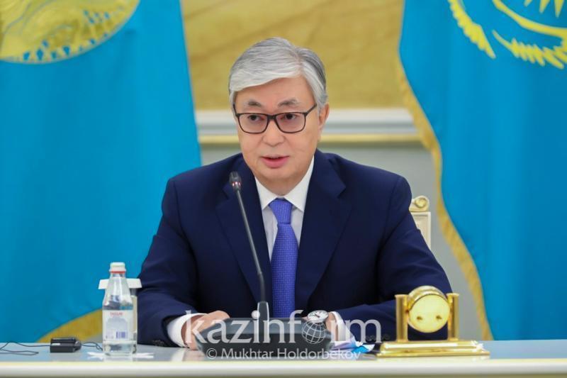 Президент Қарағанды фармацевтика зауыты шығарған «Спутник-V» вакцинасын салдырды