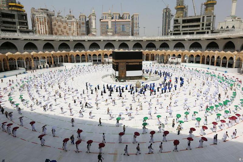 Saudi Arabia requires COVID-19 vaccination for Umrah pilgrims