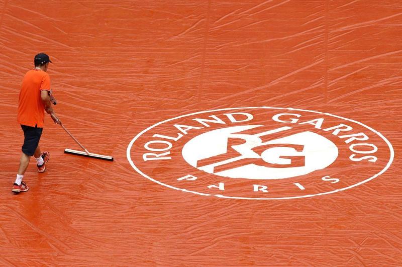 Проведение теннисного турнира «Ролан Гаррос» перенесли