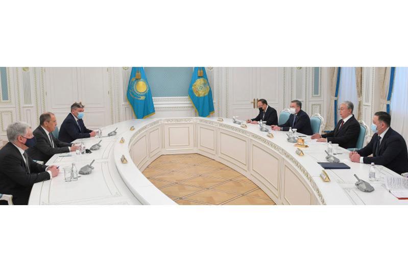 Глава государства принял министра иностранных дел России Сергея Лаврова