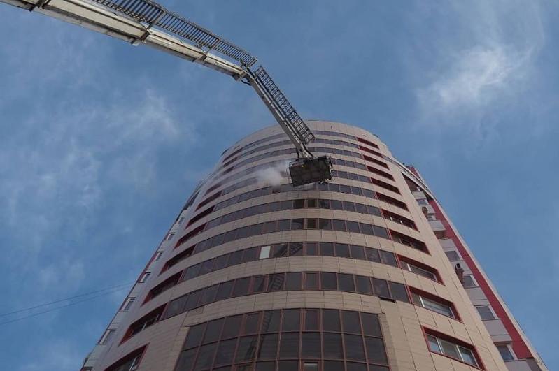 Пожар произошел в одном из жилых комплексов столицы